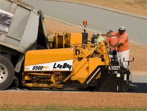 LeeBoy 8500 is Durable, Versatile 15,000 Pound Paver